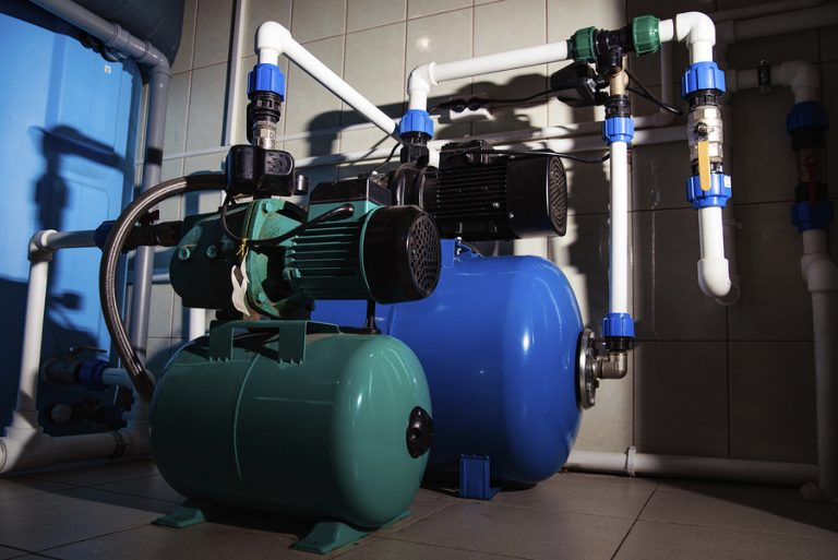 Water centrifugal pump and motor line with pipe